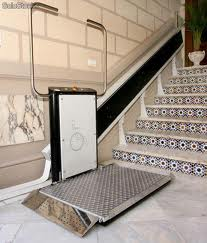 Plataforma elevadora invlinada sin cabina